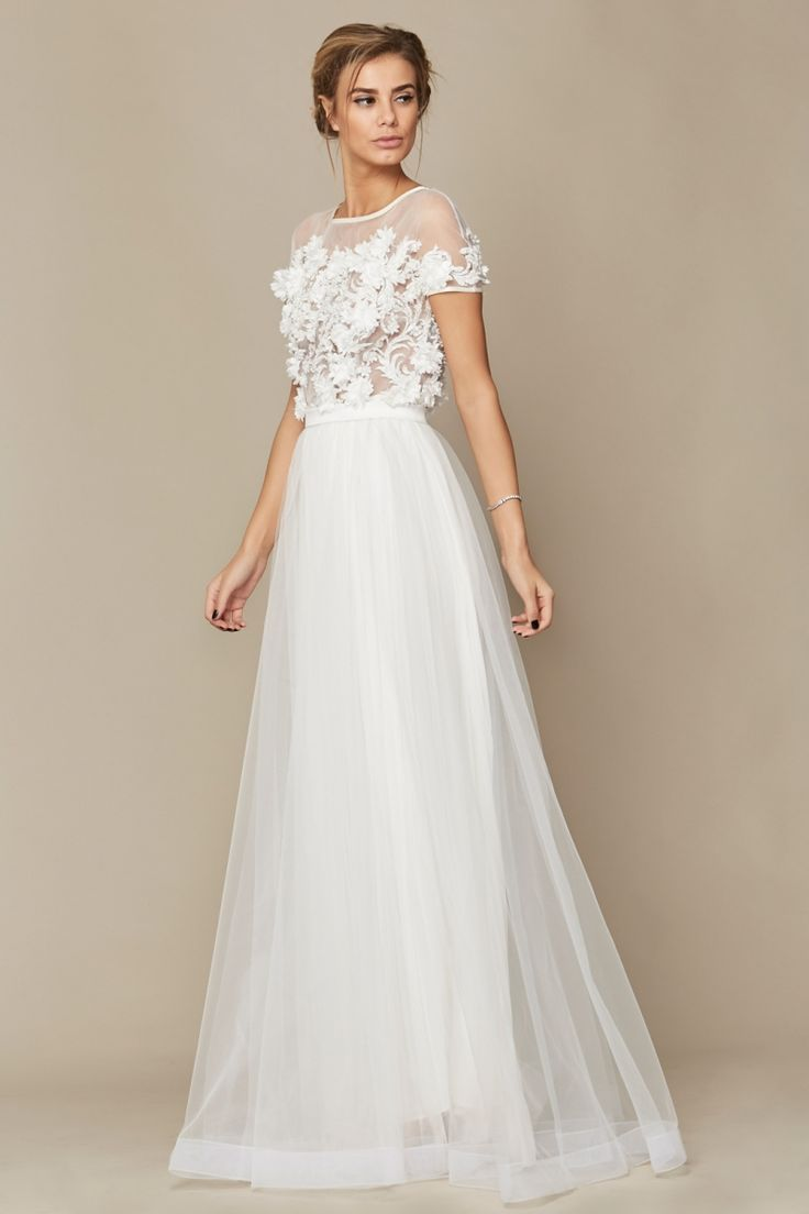 Rochie Mya - Oana Nutu Oana Nutu Fashion Designer Wedding Dress Wedding Gown www.OanaNutu.com #fashion #style #shopping #oananutu #Bridal #BridalDress #WeddingDress #Bride #FashionDesigner #Wedding