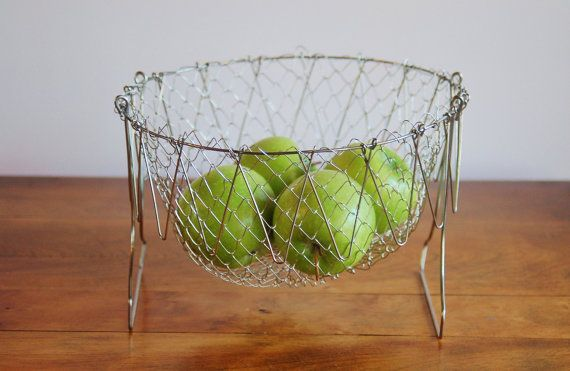 Collapsible Wire Egg Basket, Vintage Farmhouse Folding Wire Basket, Berry Basket, Fruit Basket