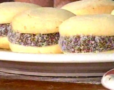 Recetas | Cocineros Argentinos - Dulces - Alfajores de algarroba con dulce de leche