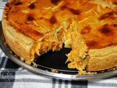Brazilian food: empadão de frango com catupiry