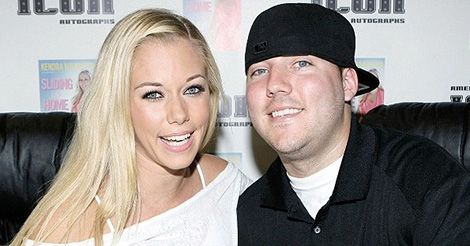 #KendraWilkinson 'Disowned' By Brother After Keeping Second Pregnancy Secret