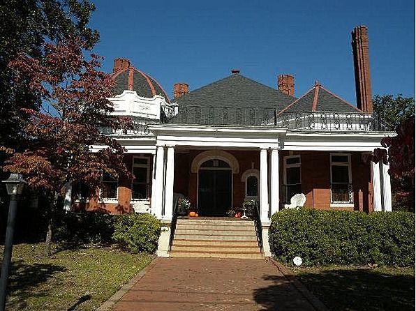 1880 Queen Anne located at: 207 E 8th St, Waynesboro, GA 30830