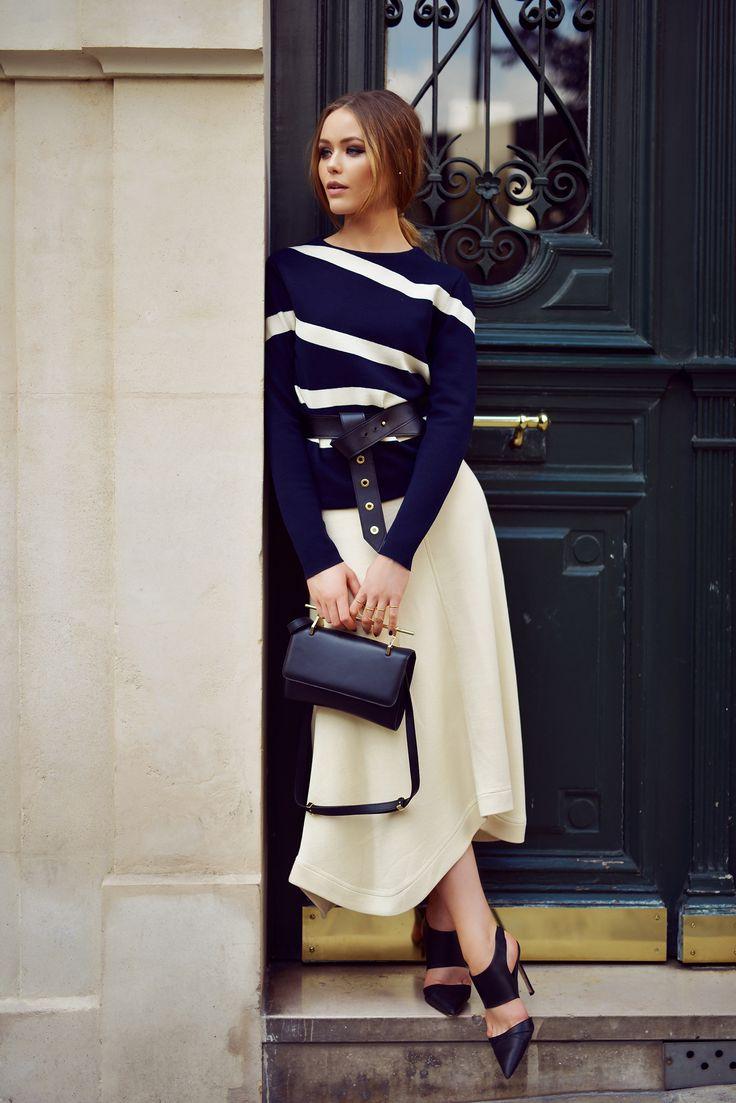 Top + skirt: Chloé / Shoes: Manolo Blahnik / Bag: M2Malletier / Belt: Louis Vuitton (kayture.com)