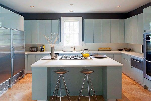 светло-голубые фасады кухни