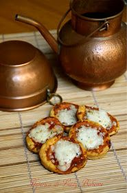 hiperica_lady_boheme_blog_di_cucina_ricette_gustose_facili_veloci_pizzette_pasta_sfoglia_pronta