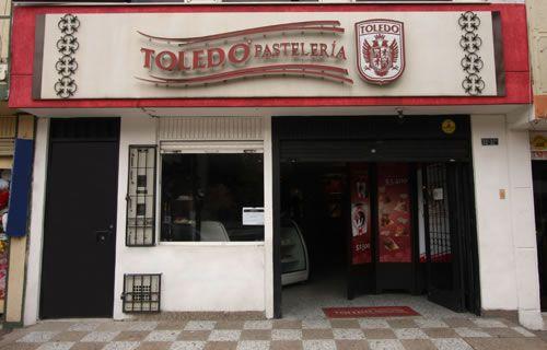 Kennedy - CRA 78K | Pastelerías Bogotá | La Toledo Pastelería Horario de atención: Lunes-Sábado 9:30 am-7:30 pm  Domingos-Festivos 10:00 am-5:00 pm Dirección: Cra 78K # 38C - 32 Sur Teléfono: 57(1) 264 2391 Parqueadero: No