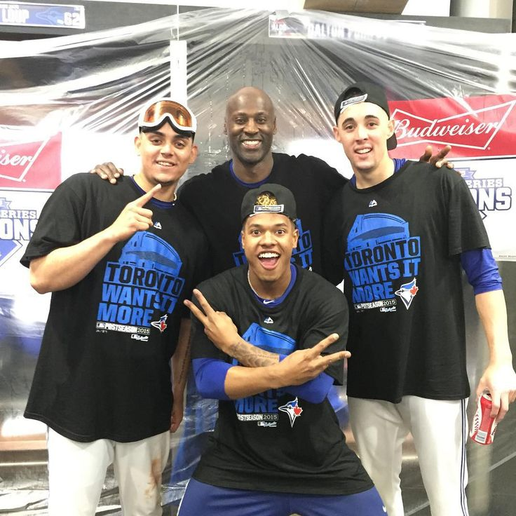 Roberto Osuna, LaTroy Hawkins, Aaron Sanchez and Marcus Stroman celebrate the Jays winning game 5 of the ALDS