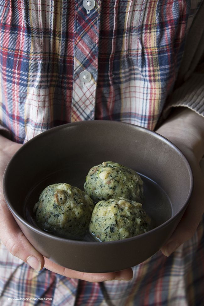 La cucina spontanea: Canederli al cavolo nero