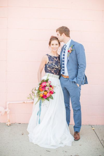 Bright wedding perfection: http://www.stylemepretty.com/2014/09/09/modern-and-preppy-elopement-shoot/ | Photography: Aly Carroll - http://alycarroll.com/