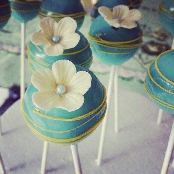 Cakepops floral decoration