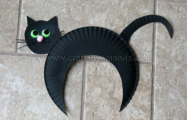 Paper plate black cat tutorial.  Paint a paper plate black, cut out a moon shape for the body and a tail and head from the left over plate.  Give him some eyes, a nose, and some whiskers.