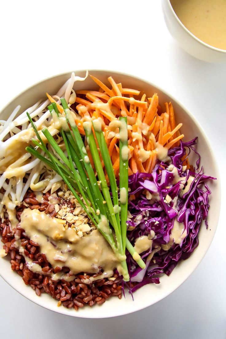 Thai Style Buddha Bowl with Peanut Sauce