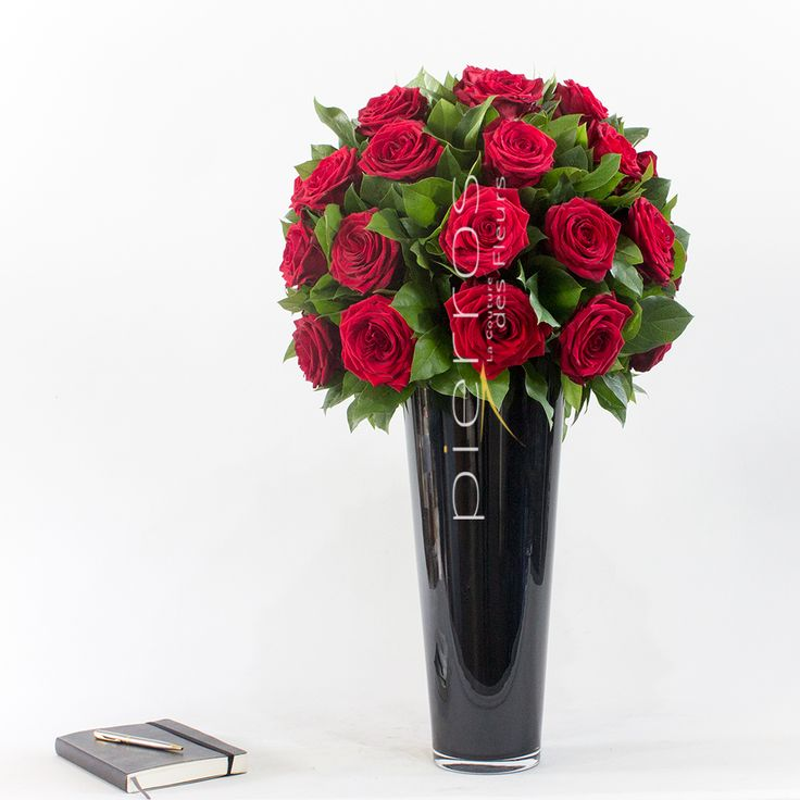 Porta Nova Red Naomi Supra Roses by Pierros LCDF flower shop Greece.
