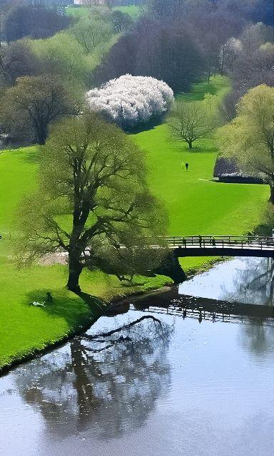 New Wonderful Photos: Reflection, Warwick Castle, England