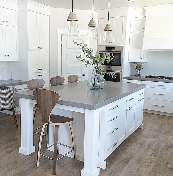 Kitchen with Mannington Historic Oak laminate: https://instagram.com/manningtonfloors/