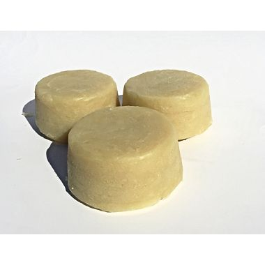 TEA TREE OIL AND EUCALYPTUS SHAMPOO INFUSED WITH CHAMOMILE AND CALENDULA WITH TAMANU OIL AND EGG YOLK This Tea Tree/Eucalyptus shampoo bar is made with infused chamomile and calendula, nourishing oils including Tamanu Oil, Silk Protein and Egg Yolk. Please visit website for more info.