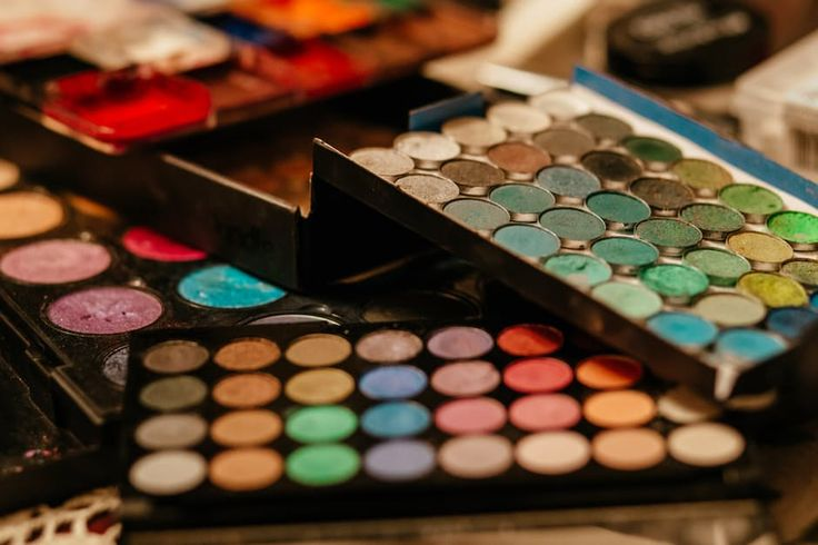 If you only use makeup from time to time, you are probably unfamiliar with the term mineral makeup. Even though this type of makeup could [...]