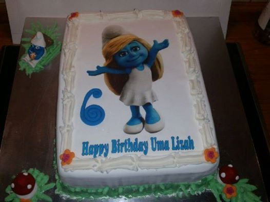 Smurfs picture cake