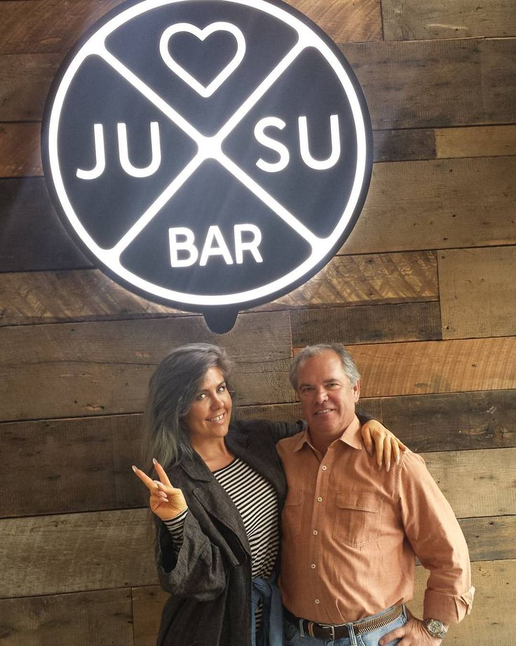 Meet my new friend Bruce the owner of @jusubar in Victoria  B.C.  Every city or country I go the first thing I do is find juice bars and places for me to find organic and raw type healthy foods . It's funny I've hit 5 new spots since my arrival.  I came here 2 days ago for juices elixirs smoothies and Acai bowls then again today for the same. It's these little things that make me happy :). Today this handsome fellow Bruce came to our table to introduce himself recognizing me from the other…