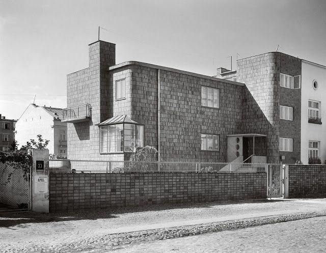 Willa z ogrodem, architekt Romuald Gutt, projekt ogrodu Alina Scholtz, 1934, ul. Kielecka 33a (źródło: materiały prasowe organizatora)
