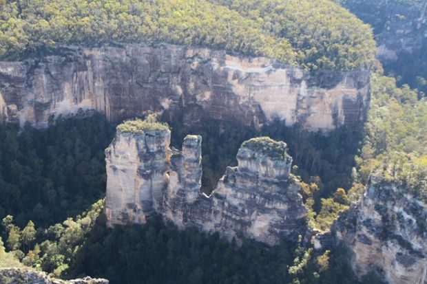 Three Sisters seen from a helicopter, Moolayember Gorge