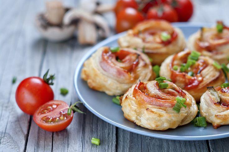 Découvrez les recettes Cooking Chef et partagez vos astuces et idées avec le Club pour profiter de vos avantages. http://www.cooking-chef.fr/espace-recettes/aperitif-dinatoire/petits-rouleaux-aperitifs-tomate-et-basilic