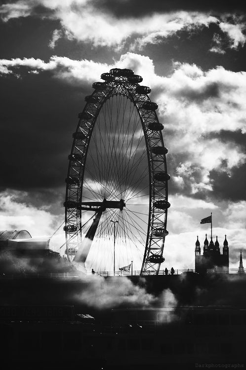ᙖℓąƈƙ & ᏇᏲᎥ৳ҽ Ƥђσ৳σʂ ~ ☾ Midnight Dreams ☽ dreamy & dramatic black and white photography - Ferris Wheel