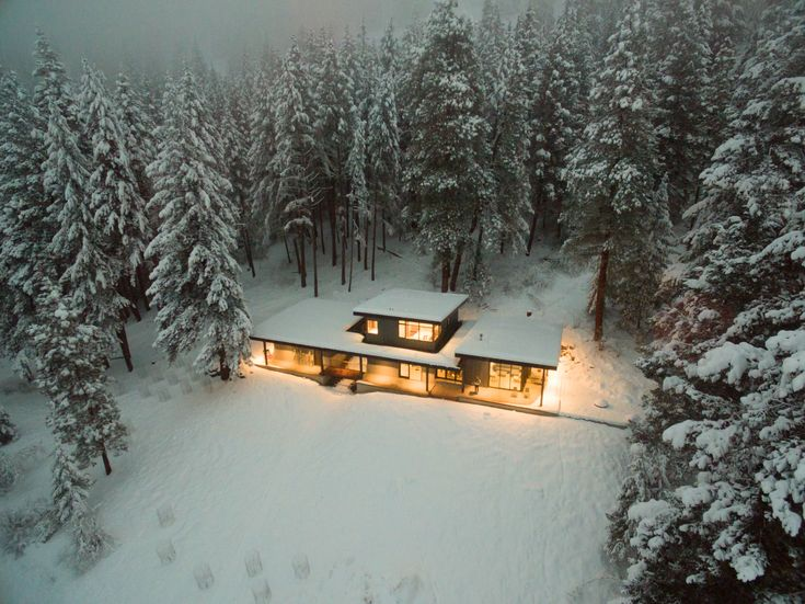 Nelson Cabin Modern Home in Winthrop, Washington by CAST architecture on Dwell