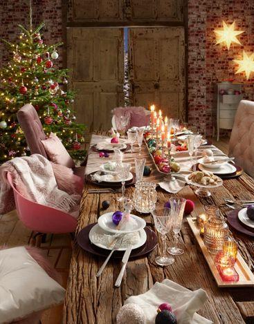 Ein kuscheliges und gemütliches Ambiente zum Weihnachtsfest lässt eure Gäste staunen. Kerzenschein, glänzende Kugeln und eine festlich gedeckte Tafel, kombiniert mit rustikalem Hüttenflair, zaubert eine außergewöhnliche Stimmung in euer Zuhause.