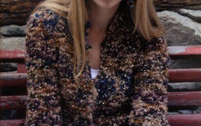 Come realizzare ai ferri una giacca melange con colori autunnali - Una giacca che richiama i colori autunnali, da indossare nelle gite nei boschi senza temere il freddo e l'umidità della stagione. Vediamo come fare questo lavoro lavorando a maglia legaccio.
