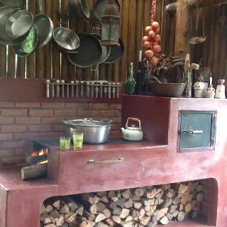 Friozinho, fogão a lenha e um novo prato a testar: bolito.