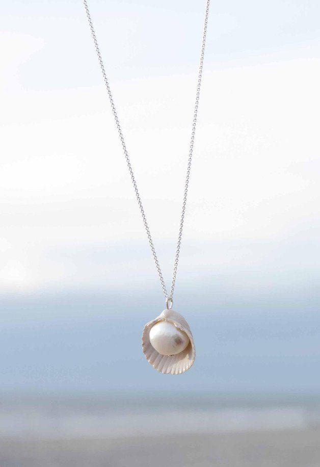 Kette mit Muschel und Süßwasserperle, maritimer Schmuck / nautical necklace with…