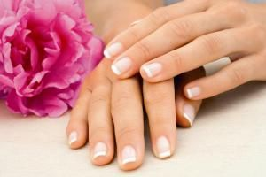 http://www.iparfumerie.at/artdeco/french-manicure-schablonen-fur-die-franzosische-manikure/