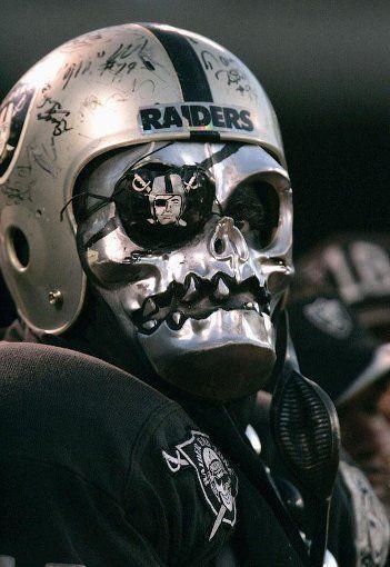 raiders-costume-2.jpg