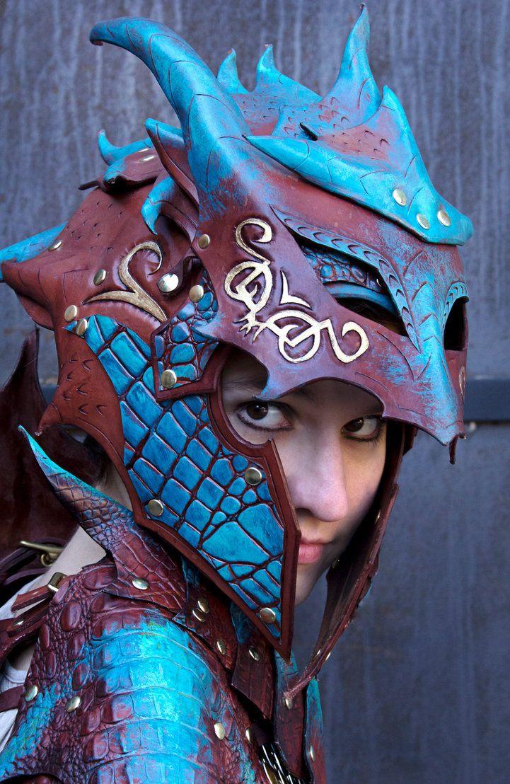 Armure de dragon maron et bleu