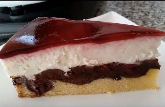 Dieses extrem leckere Kuchenrezept findet Ihr hier: Und hier in schriftlicher Form: •175 g weiche Butter •200 g Zucker •3 Päckchen Vanillezucker •2 Prise Salz •3 Stück Eier •200 g Mehl •2 gestr. TL…