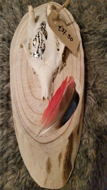 Mooi bewerkte schedels#veren#hout #tatoo
