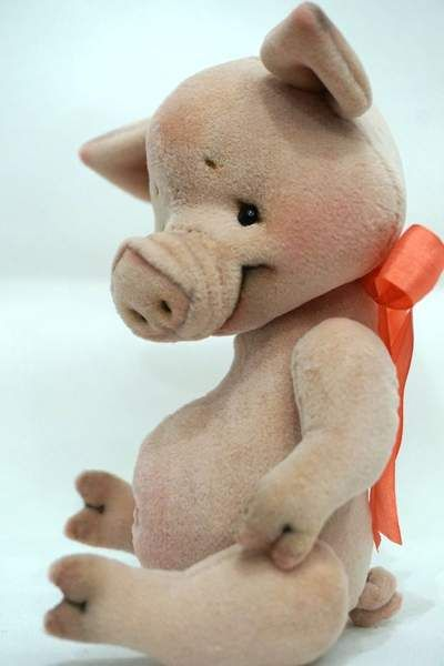 Winnie the Pooh and Pigle By Victoria Makarova - Bear Pile