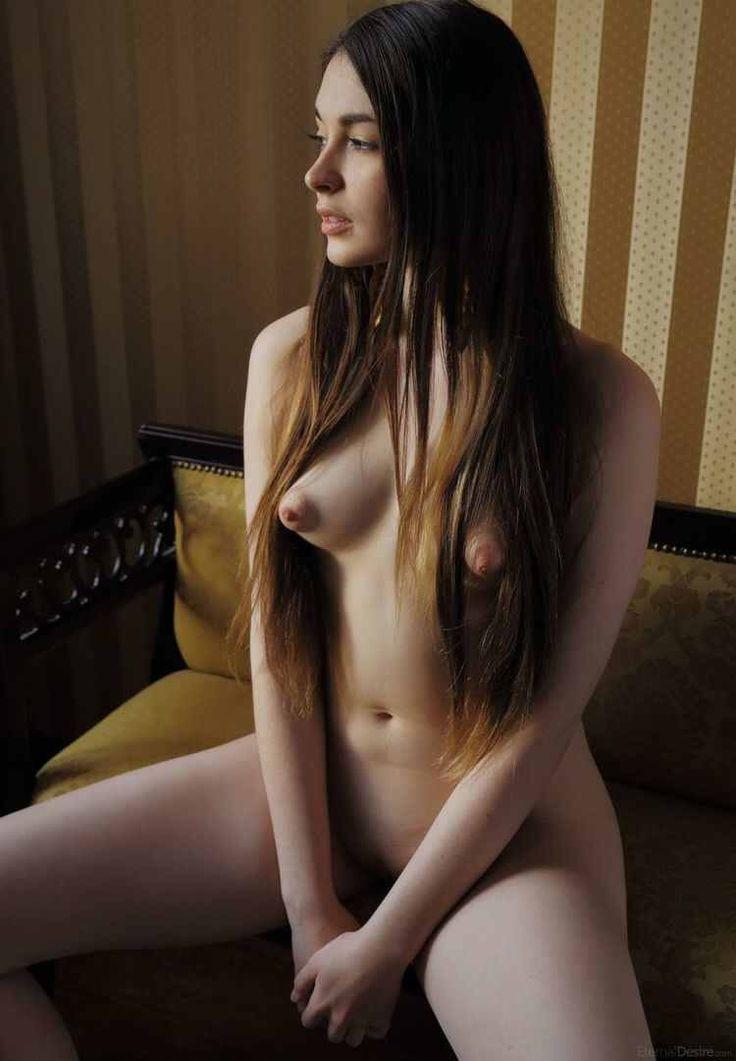 Фото торчат соски голые — pic 12