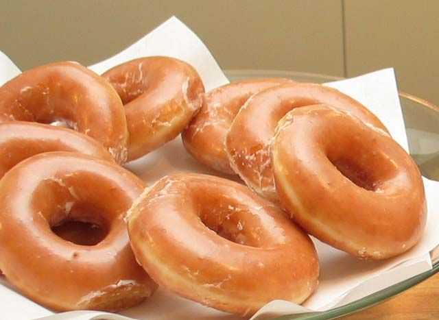 A Slice of Kate: Krispy Kreme Donuts (Copy Cat Recipe)  Very interesting.. Going to try these for sure :)