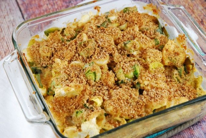 A decadent Weight Watchers casserole recipe that tastes dangerously delicious. Creamy, cheesy and very satisfying, this low calorie gratin makes a wonderful side dish to a variety of main course entrees. Ingredients 3 large leeks, trimmed and sliced 1 small head of cauliflower, trimmed and chopped into bite sized pieces 1/2 cup Panko breadcrumbs 2 …