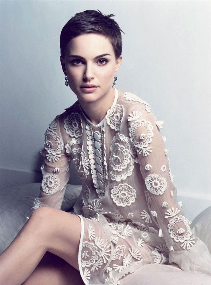 I could never in my life pull this hair cut off, but Natalie Portman is gorgeous