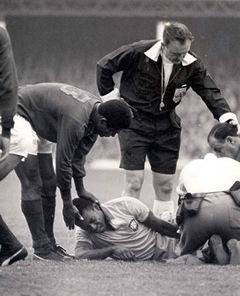 Eusébio e Pelé, Campeonato do Mundo de 1966 (Portugal - 3 / Brasil - 1).