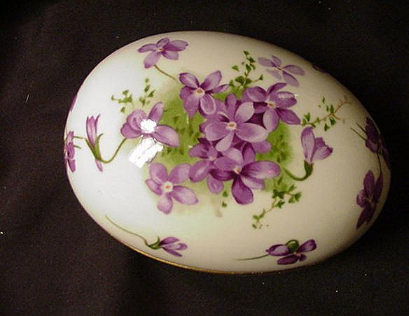 "Hammersley English Bone China ""Victorian Violets"" Egg comes from the Ruby Lane Shop of Estate Treasure Trove."