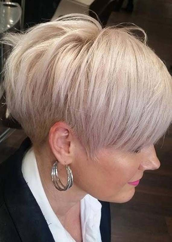 Best Short Hairstyles For Fine Hair To Show Off In 2019 Fashionsfield Hairstyles For Thin Hair Top Short Hairstyles Fine Straight Hair