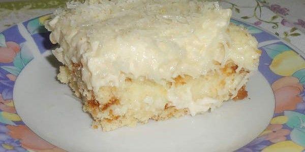 Ingredientes: Bolo: Massa pronta de bolo de coco Recheio: 1 litro de leite 3 gemas (reserve as claras) 1 lata de leite condensado 5 colheres de sopa de amido de milho 100g de coco ralado Cobertura: 3 claras em neve 1 lata de creme de leite 1 colher de sopa de açúcar Modo de preparo: …