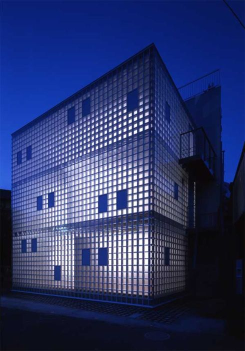 Contemporary Crystal Brick house, Japan. Glass brick allow permanent light filtration & also offer privacy.