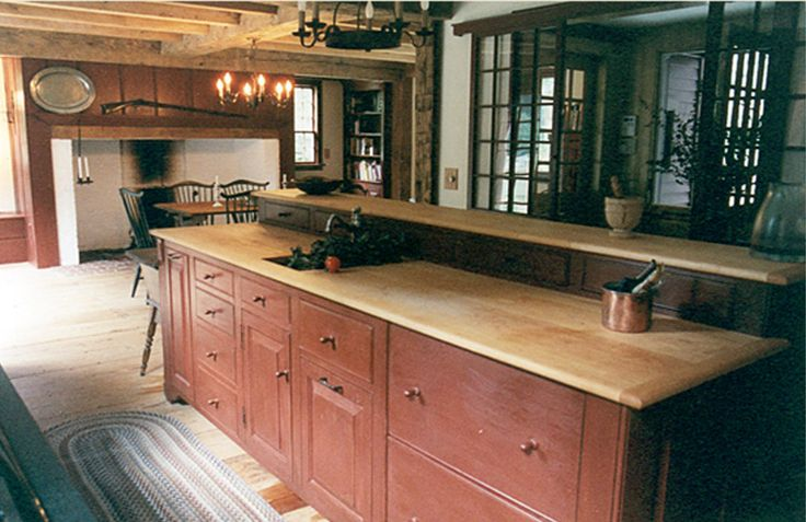 Best 25 colonial kitchen ideas on pinterest pantry for Period kitchen cabinets