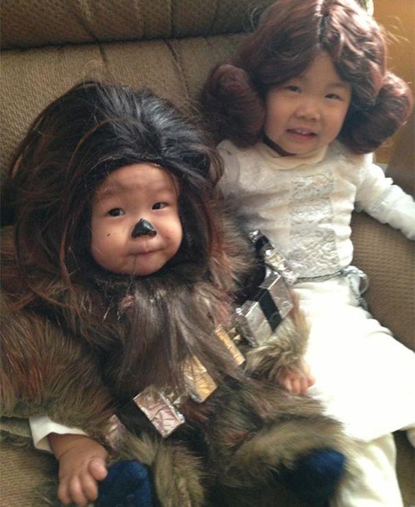 niños chewbacca y princesa leya