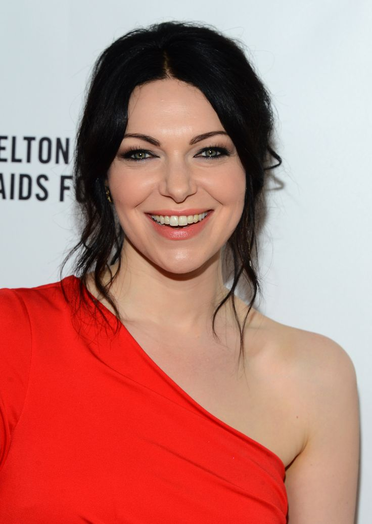 Laura Prepon at Elton John Party: Dark hair and dark liner matched well on Laura.
